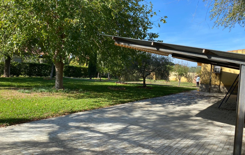 Utrera - Urb. La Marquesita: Venta de parcela en Sevilla (UR137).