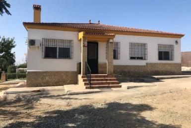 Parcela en venta en Los Ranchos en Sanlúcar la Mayor (AL135C).