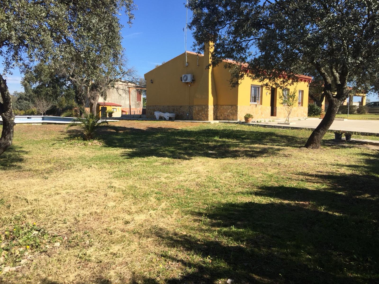 Parcela en sevilla sierra norte castilblanco sn57 for Parcelas para alquilar en sevilla